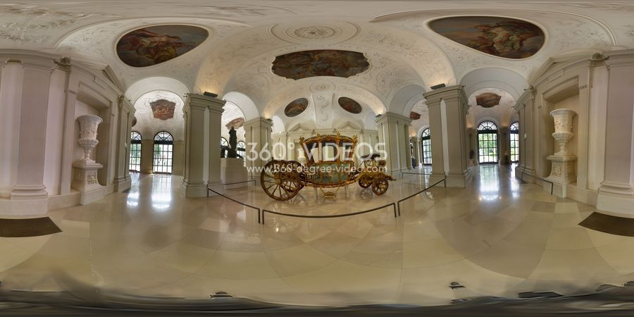 360-luxury-carriage image