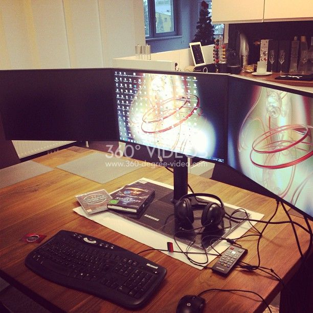computer-3-monitor-360 image